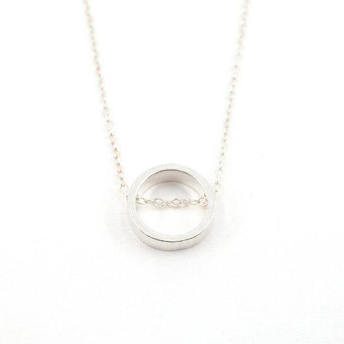 Dainty Plain Circle Necklace