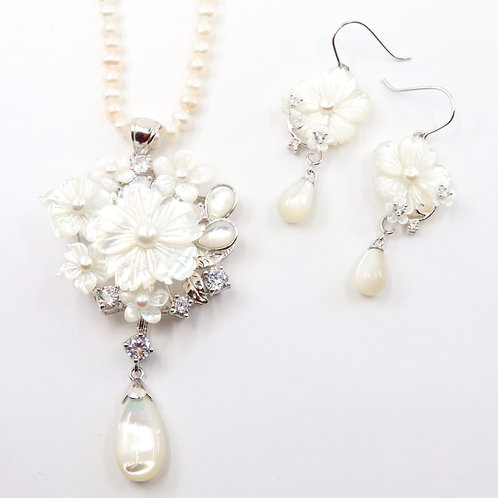 White Blossom Flowers Mother Of Pearl Set