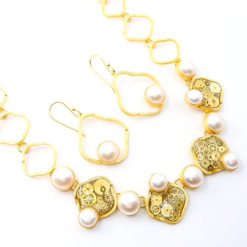 Steampunk Freshwater Pearl Gold Necklace Set