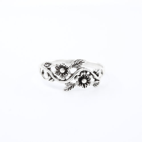 Sterling Silver Flowers on a Vein Ring