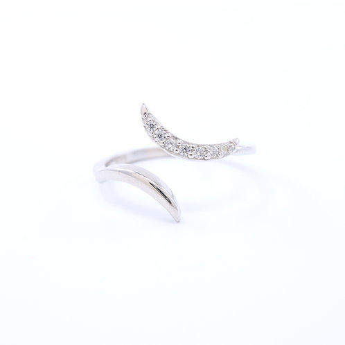 Curved Pointy Ring