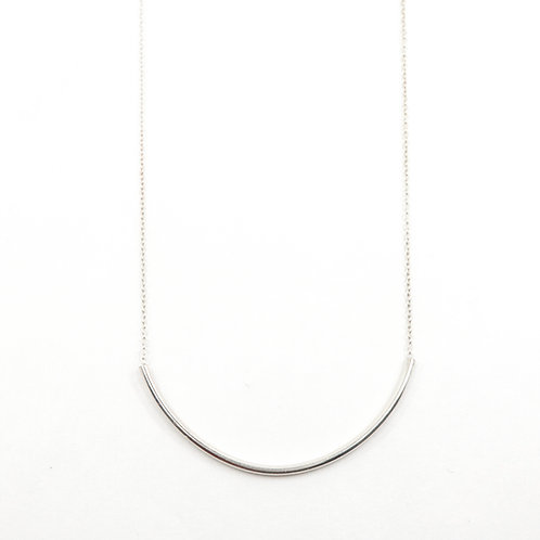Medium Curved Bar Necklace