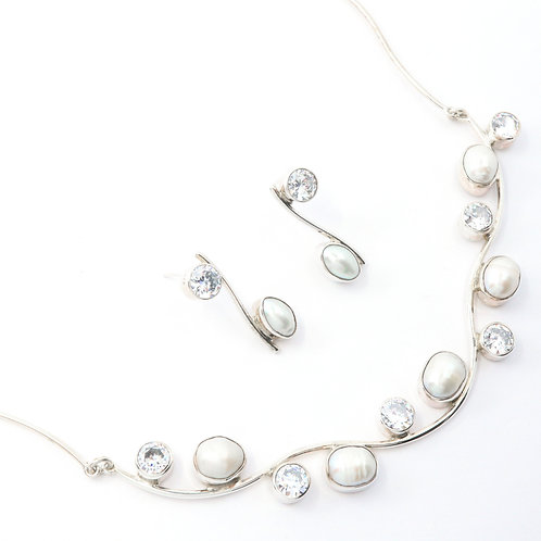 Freshwater Pearl with Cubic Zirconia Stones Neckwire Set