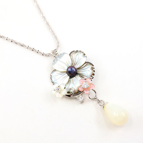 Multicolored Flower Mother of Pearl Necklace
