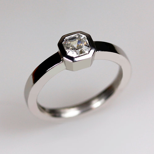 Asscher Fine Diamond & Platinum Engagement Ring