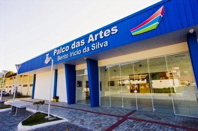 PALCO-DAS-ARTES-02-620x413_edited.jpg