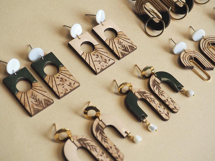 boucles d'oreilles en bois bewood.jpg