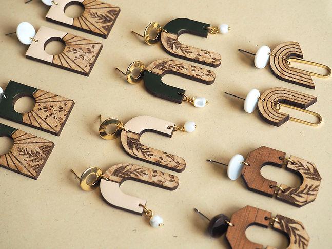 boucles d'oreille bois bewood.jpg