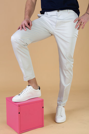 The White. OFF White Chino