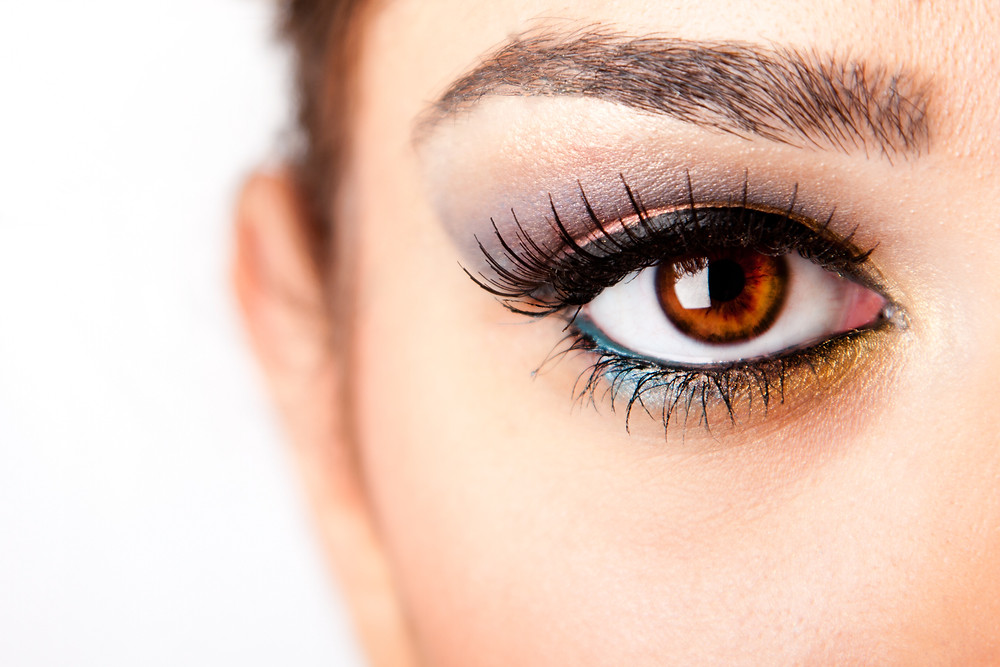 Tightlining or waterlining is the technique used for drawing eyeliner inside, tight against the lashes of the upper lid or lower eyelid margin, which make the eyelashes look longer.