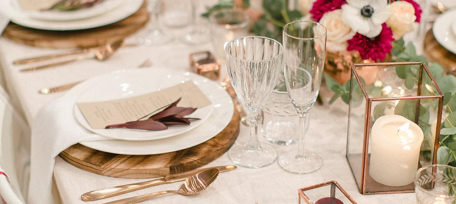 Kupfer-Love! Das Konzept der Hochzeitsmesse 2017 war Kupfer-Rustikal. Mit viel Holz und Grün passte unsere Dekoration super zum Trend in diesem Jahr.