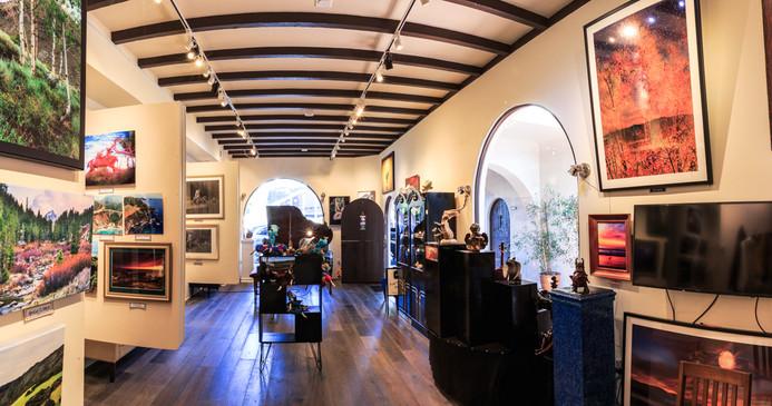 Lincoln St., Gallery interior