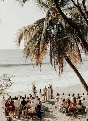 Single location wedding