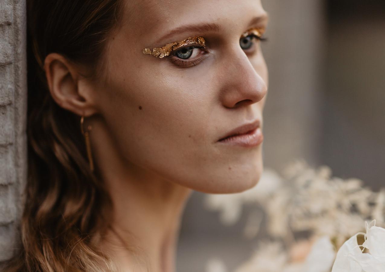 Modern bridal makeup by MUA Magdalena Kujawska