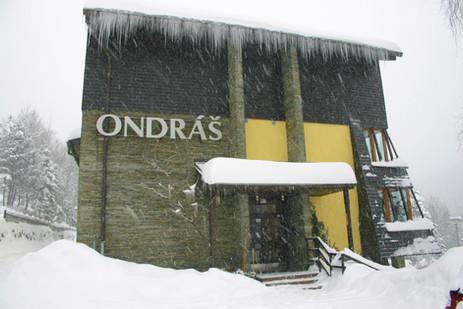 hotel ve sněhové peřině