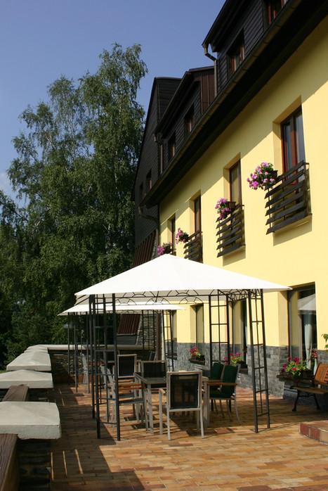 terasa hotelu Ondráš