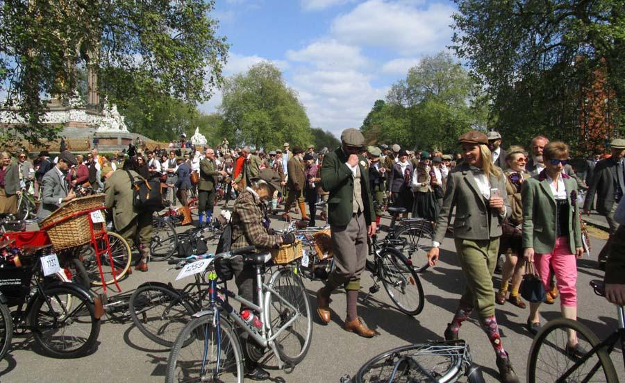 cyclists, Kensington Park