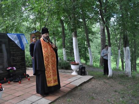 В деревне Артёмово почтили память моряков-подводников, погибших в Баренцевом море