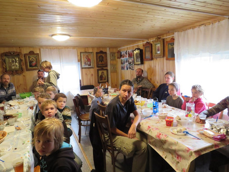 В деревне Артёмово встретили крестный ход по пути в Троице-Сергиеву Лавру