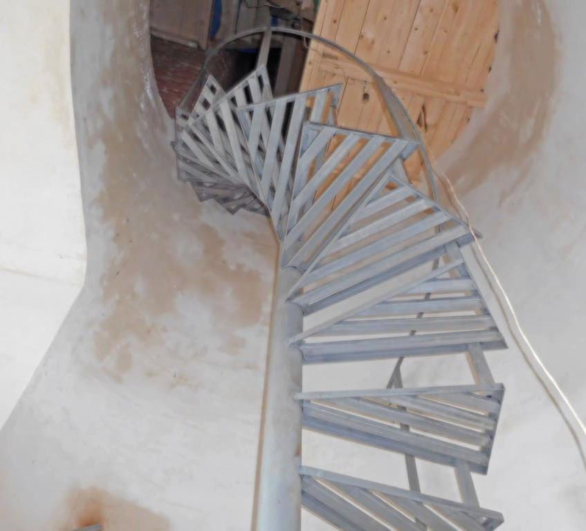 лестница метал