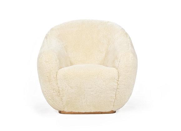 Niemeyer II Fur Chair by InsidherLand