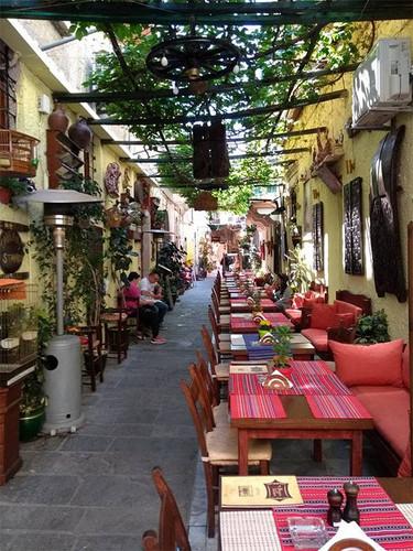rethymno-old-town-alley.jpg