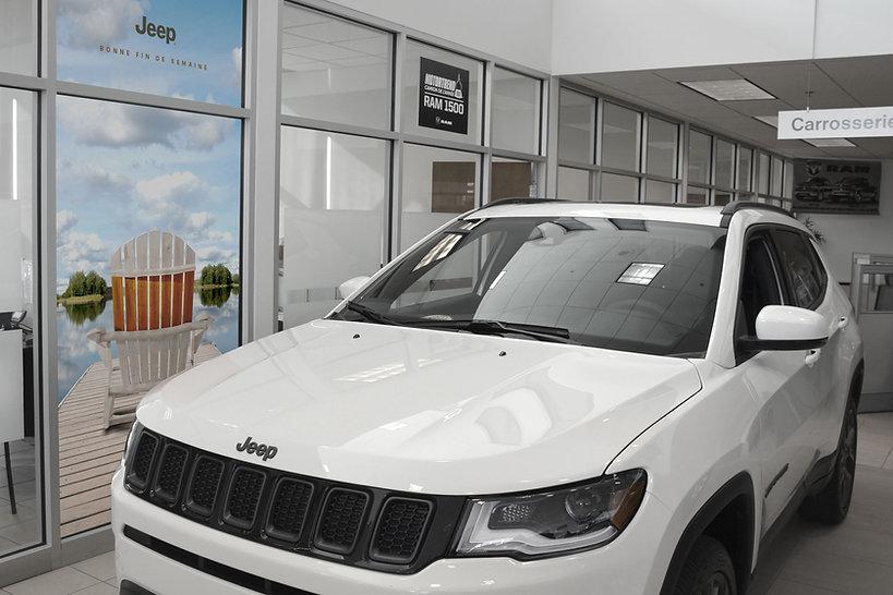 21-08-13-Jeep-LongWeekends-DealersMockUp-Canada.jpg