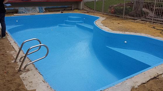 perth fibreglass pools renovations resurfacing and repairs. Black Bedroom Furniture Sets. Home Design Ideas