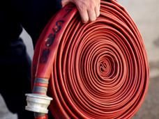 大维多利亚公寓大火烧死居民,老旧房屋消防隐患引人担忧