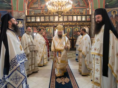 С архиерейска св. Литургия бе отбелязан празникът на Св. Богородица – Живоприемни източник в столичн