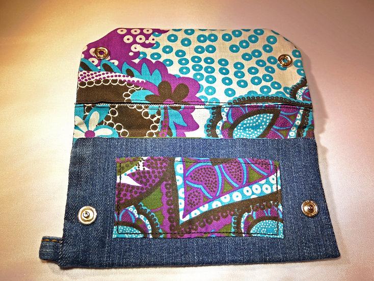 Petite pochette en Jean brut & motifs Seventies bleus, violets