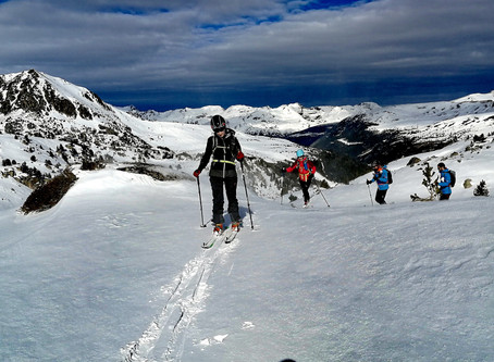 Esquí de montaña por Colells con un guia.