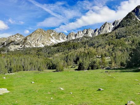 Senderismo cultural por el Madriu con un guia de montaña: