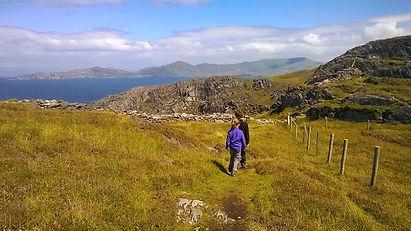trekking en Irlande avec des enfants et un guide de montagne
