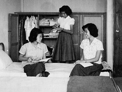 ห้องหอพักหญิง001-2.jpg
