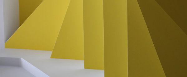 Escaleras amarillas