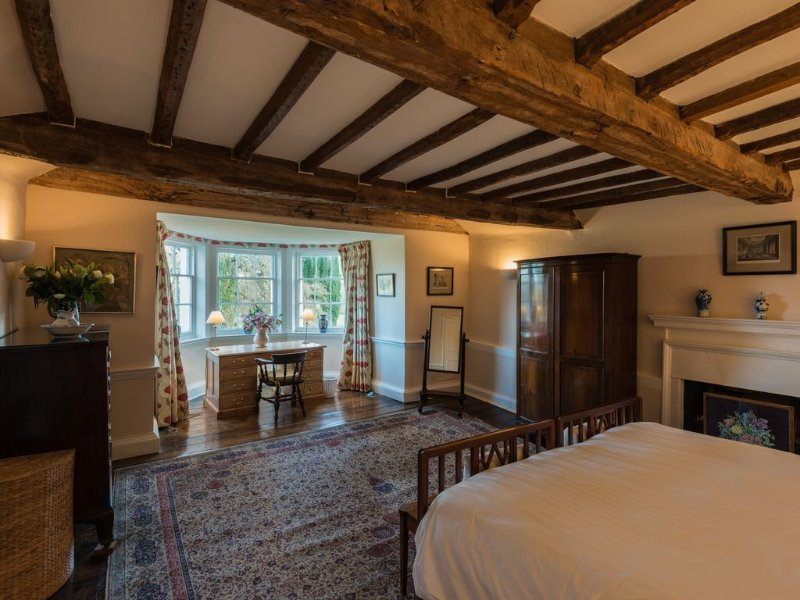 The Ship Manor House Room