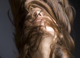 Durerea gâtului – Ce probleme poți avea din cauza Tiroidei