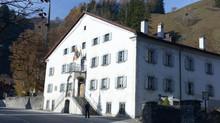 Grüsch: historische Häuser und Kulturhaus Rosengarten