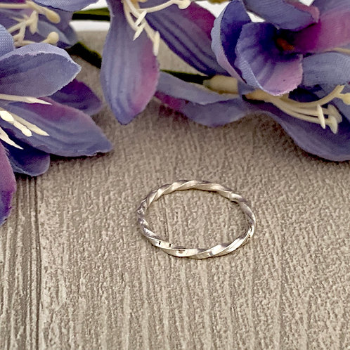 Sterling Sterling Silver Stacking ring (twisted)