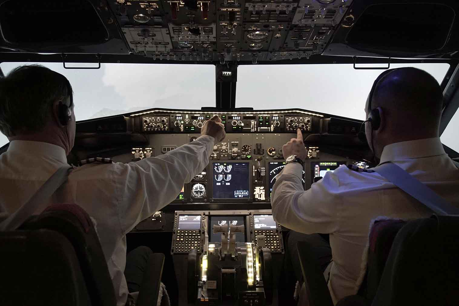 737 Pro Flight Simulation 24
