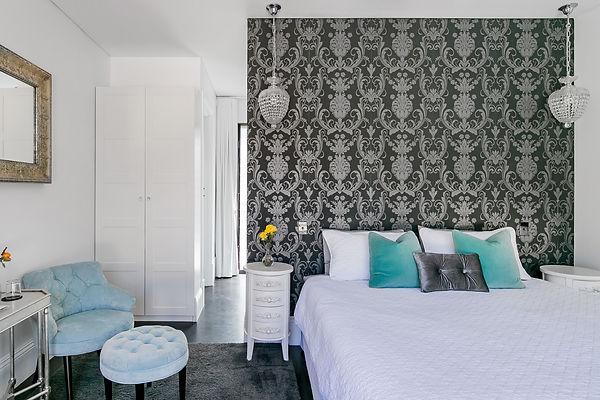 Quenda Room Bed