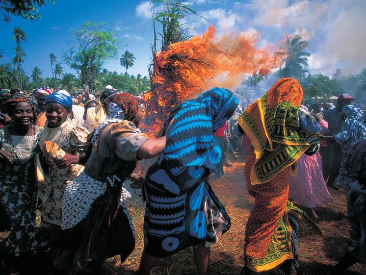 #41 - CURIOSITA'...Makunduchi festival: il MWAKA KOGWA!!