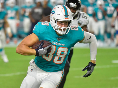 Breakouts and Busts - Mike Gesicki Vs. Robert Tonyan