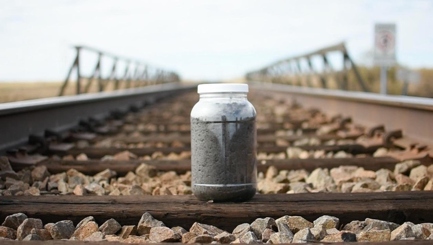 Soil On The Tracks In limon