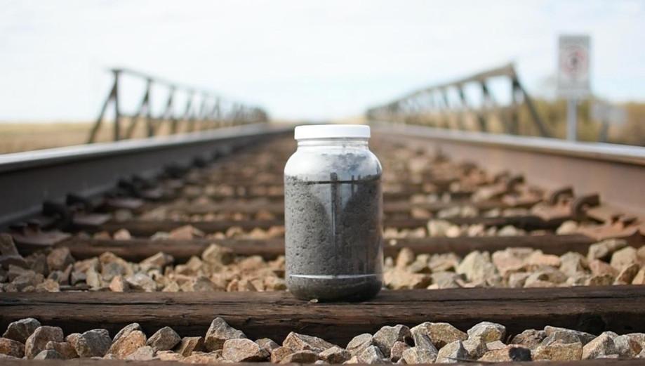 Soil On The Tracks In limon