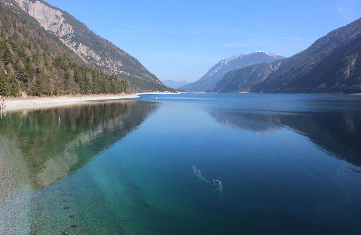 Achensee_By Usien - Own work, CC BY-SA 3.0, httpscommons.wikimedia.orgwindex.phpcurid=31744144