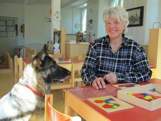 Der Hund als treuer Schulfreund