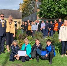The Mayor & Mayoress, volunteers and local schoolchildren
