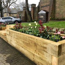 Seated planters